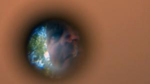 peephole001